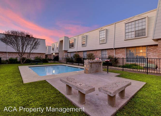 2 Bedrooms 1 Bathroom Apartment for rent at Lantana Trace Apartments 9315 Northgate Blvd in Austin, TX