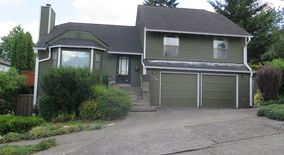Similar Apartment at 718 26th Ave E