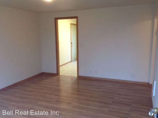 1 Bedroom 1 Bathroom Apartment for rent at 723/731/733 Hwy 99 in Eugene, OR