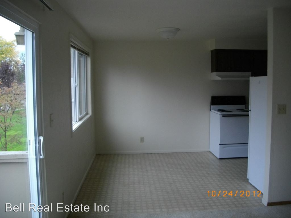 1 Bedroom 1 Bathroom Apartment for rent at 1848/1879 M St. in Springfield, OR