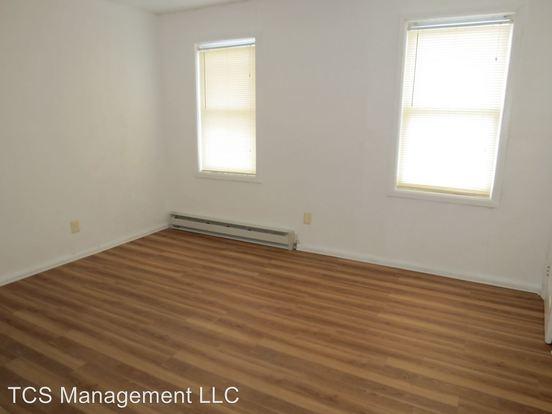 Studio 1 Bathroom Apartment for rent at 1903 West Montgomery Ave in Philadelphia, PA
