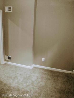 4 Bedrooms 2 Bathrooms Apartment for rent at 2252 N.16th Street in Philadelphia, PA