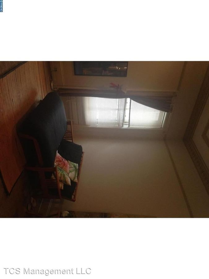 2 Bedrooms 1 Bathroom Apartment for rent at 1531 Green Street in Philadelphia, PA