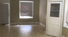 Similar Apartment at 1422 S Paxon Street