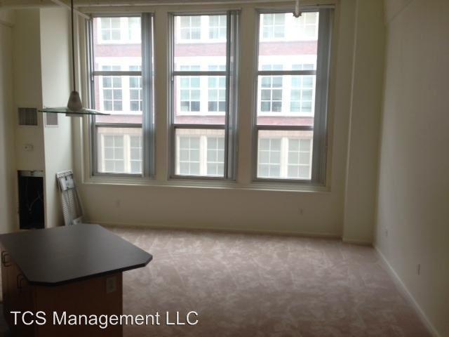 Studio 1 Bathroom Apartment for rent at 640 N Broad Street in Philadelphia, PA