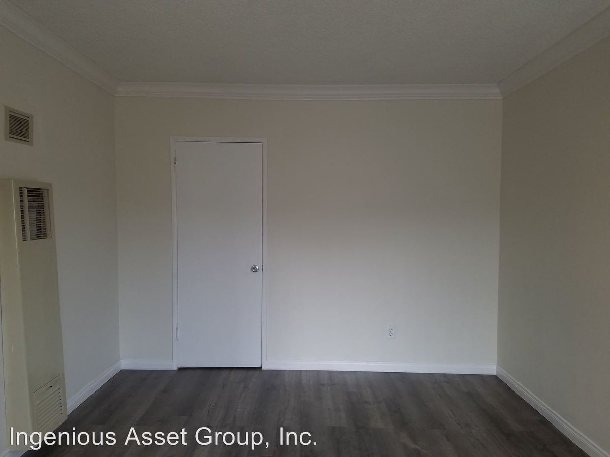 1 Bedroom 1 Bathroom Apartment for rent at 360 W Chevy Chase Dr. in Glendale, CA