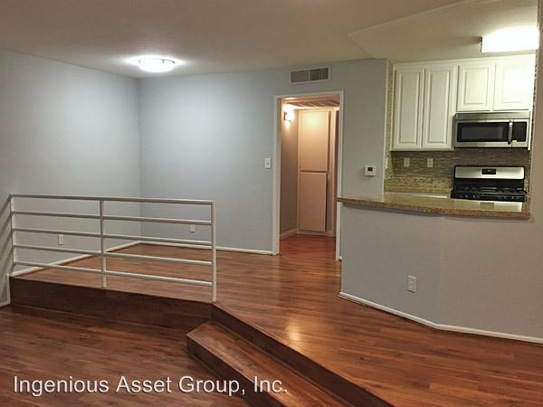 1 Bedroom 1 Bathroom Apartment for rent at 14625 Dickens St. in Sherman Oaks, CA
