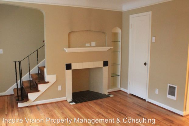 2 Bedrooms 1 Bathroom Apartment for rent at 2401 2423 Nw Johnson in Portland, OR