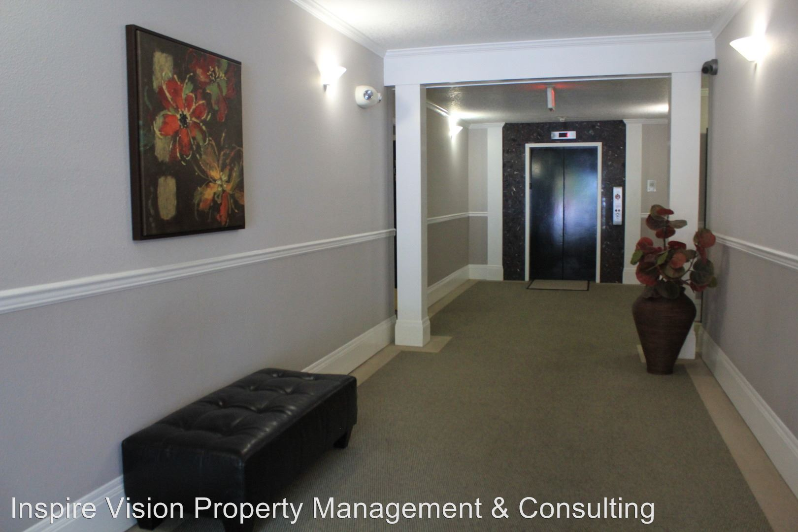 Similar Apartment at 4320 Sw Corbett Ave.