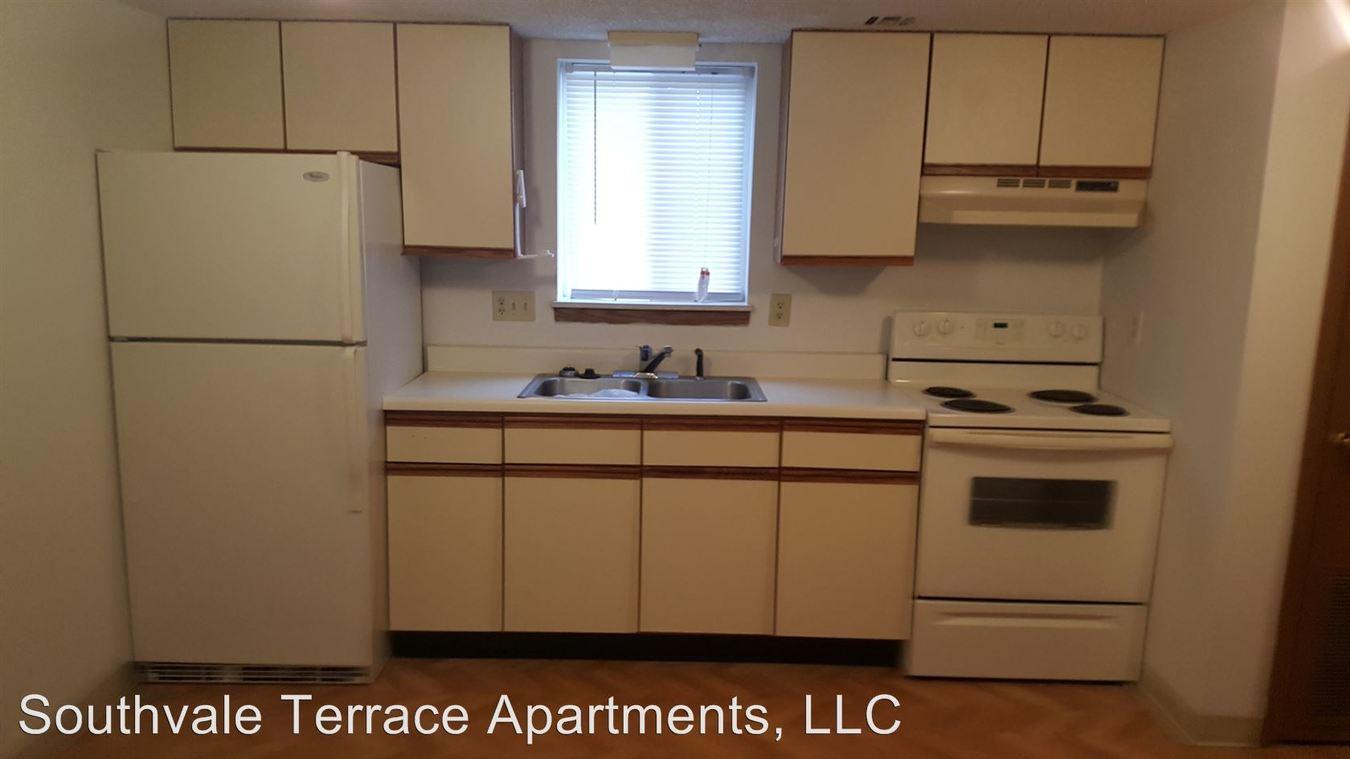 Studio 1 Bathroom Apartment for rent at 3316, 22, & 28 S Fairway Avenue in Springfield, MO