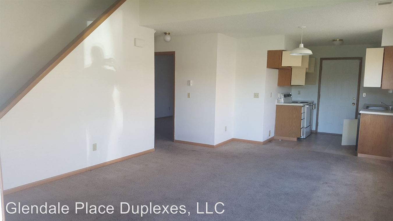 3 Bedrooms 2 Bathrooms Apartment for rent at The 3400 Blocks Of E Covington And Lomita Streets The 2700 Block Of S Glenview Avenue in Springfield, MO