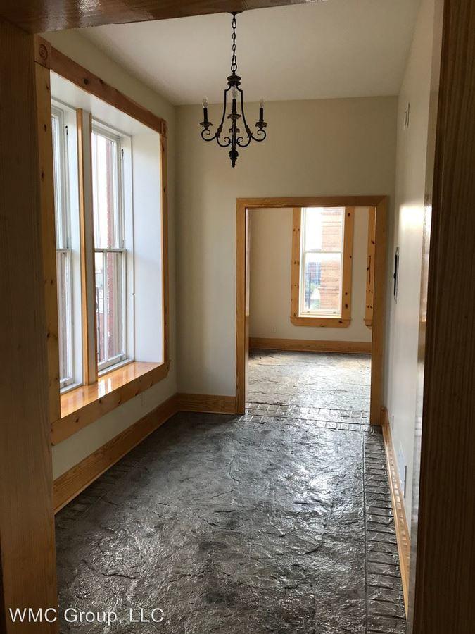 2 Bedrooms 2 Bathrooms Apartment for rent at 817 Race St, 105 - 111 W 9th Street in Cincinnati, OH