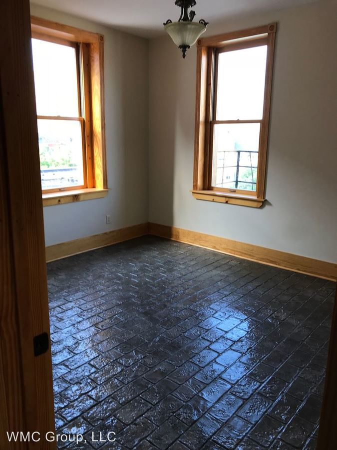 1 Bedroom 1 Bathroom Apartment for rent at 817 Race St, 105 - 111 W 9th Street in Cincinnati, OH