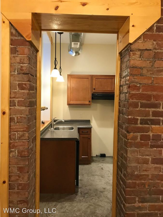 2 Bedrooms 1 Bathroom Apartment for rent at 817 Race St, 105 - 111 W 9th Street in Cincinnati, OH