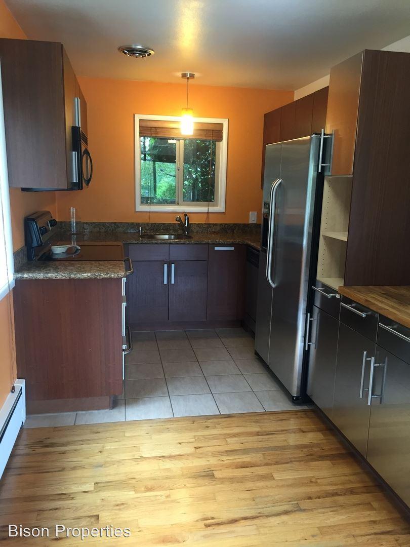 Similar Apartment at 908 Sw Gaines St.