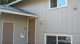 Similar Apartment at 1814 1816 Se Clatsop St.