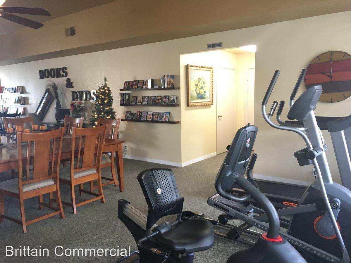 2 Bedrooms 1 Bathroom Apartment for rent at 7764 Poplar Avenue in Citrus Heights, CA