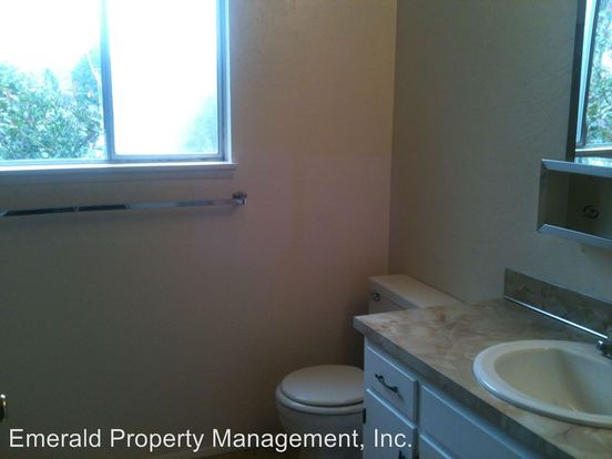2 Bedrooms 1 Bathroom Apartment for rent at 5495 North A Street in Springfield, OR