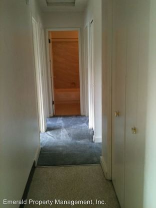 3 Bedrooms 1 Bathroom Apartment for rent at 125 D Street in Springfield, OR