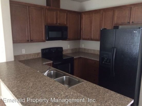 3 Bedrooms 2 Bathrooms Apartment for rent at 311 339 S 42nd in Springfield, OR