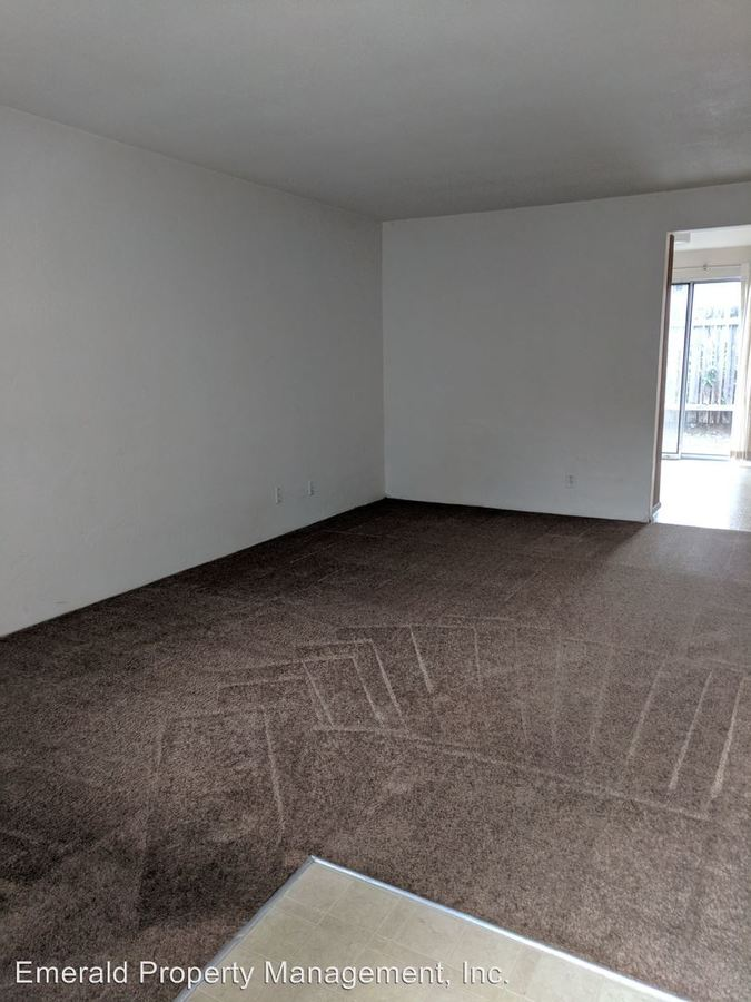 2 Bedrooms 1 Bathroom Apartment for rent at Sunset Apartments 3530 W. Amazon/3501 Hilyard in Eugene, OR