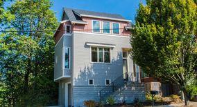 Similar Apartment at 2921 Se Tacoma