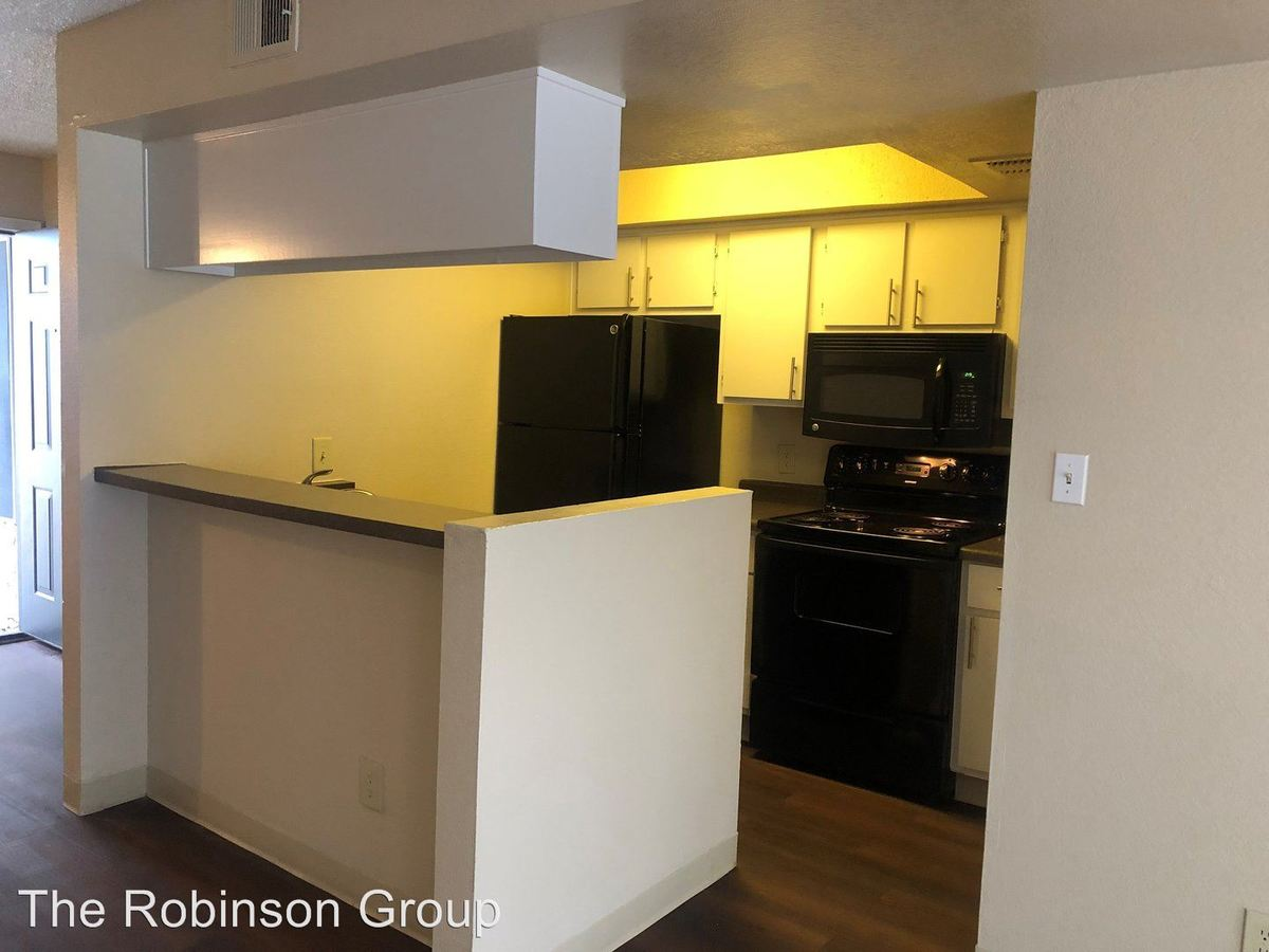 1 Bedroom 1 Bathroom Apartment for rent at 15202 N. 40th St. in Phoenix, AZ