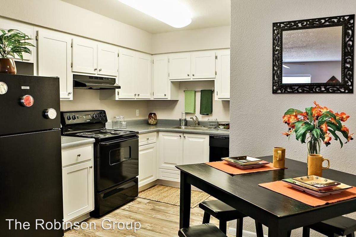 2 Bedrooms 1 Bathroom Apartment for rent at 17425 N. 19th Ave. in Phoenix, AZ