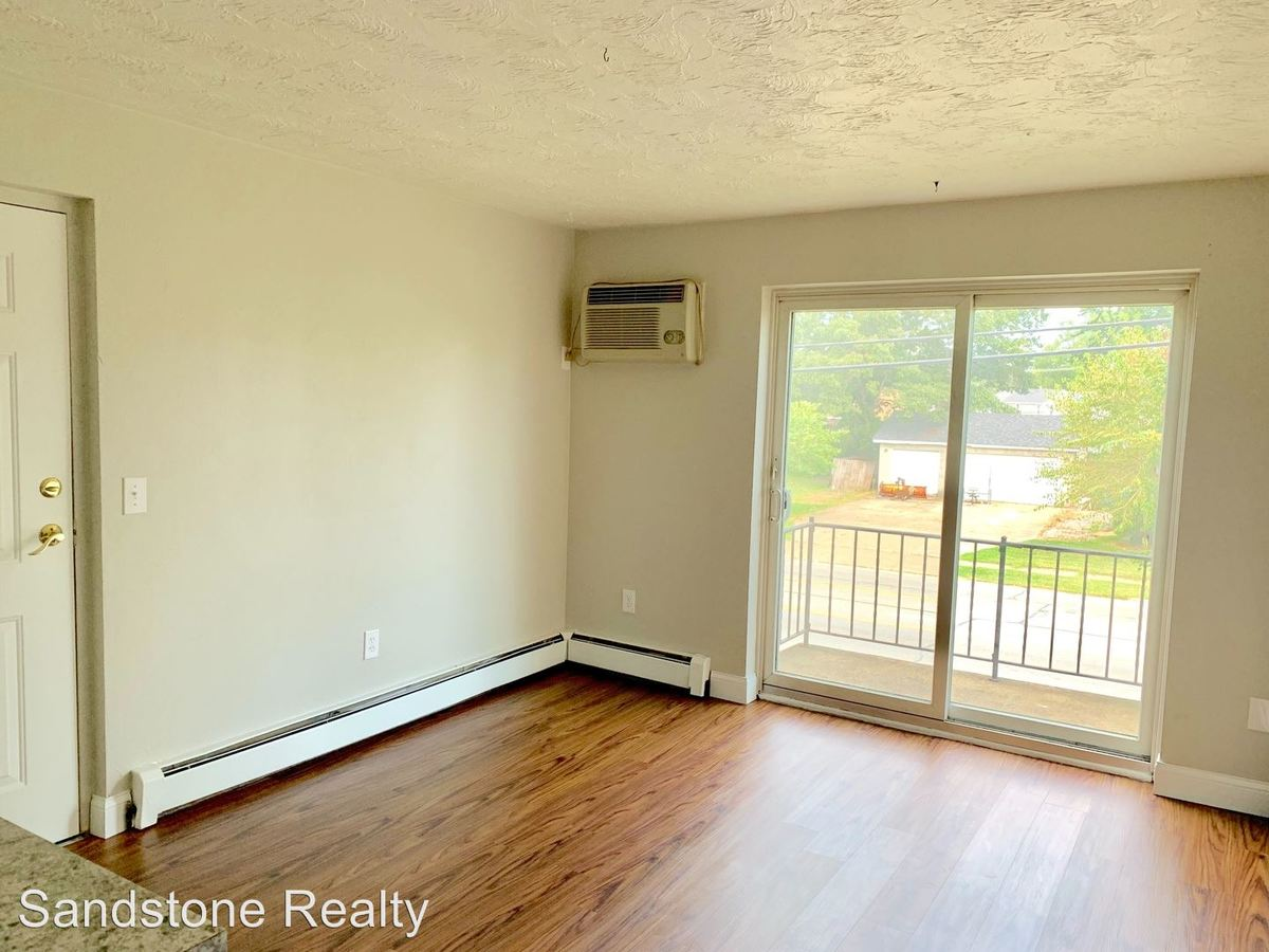 2 Bedrooms 1 Bathroom Apartment for rent at 860 Colorado Ave in Lorain, OH