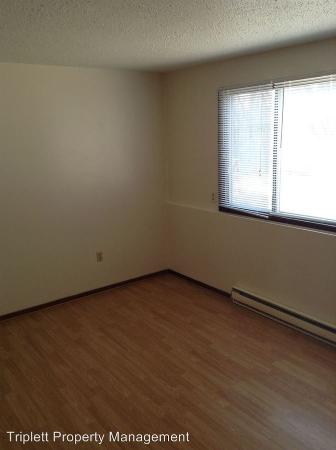 2 Bedrooms 1 Bathroom Apartment for rent at 625 D Avenue in Nevada, IA