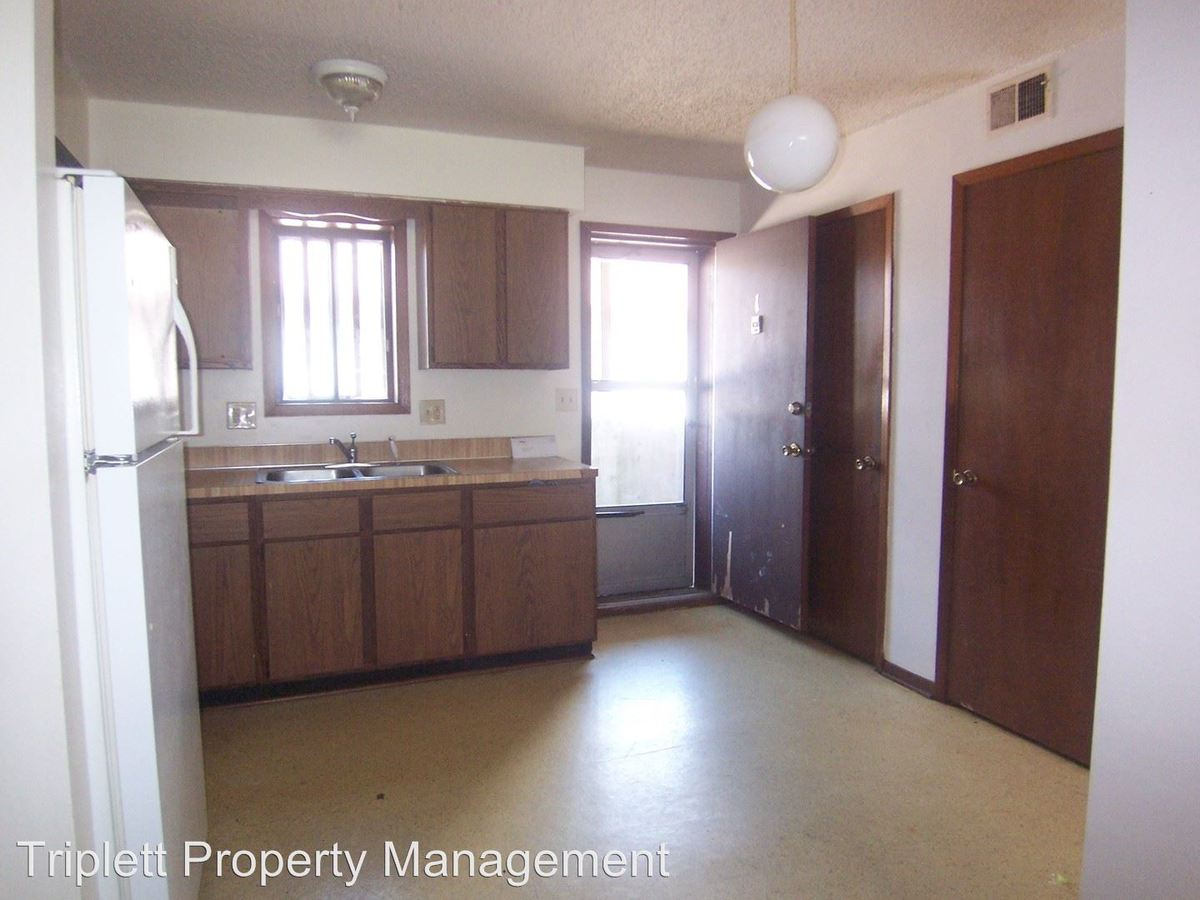 2 Bedrooms 1 Bathroom Apartment for rent at 1218 Delaware Ave in Ames, IA