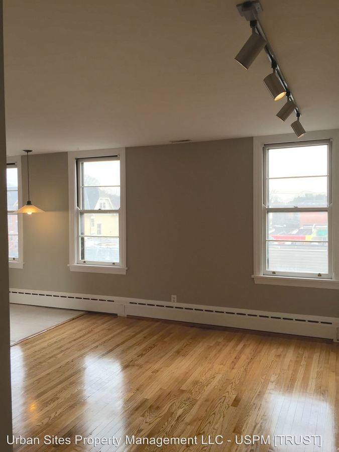 1 Bedroom 1 Bathroom Apartment for rent at 320 Greenup St. in Covington, KY