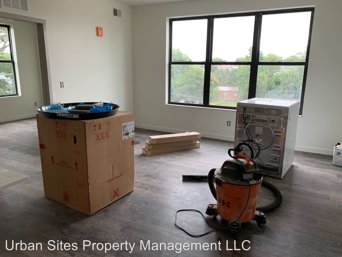 1 Bedroom 1 Bathroom Apartment for rent at 2806-08 Woodburn Avenue in Cincinnati, OH
