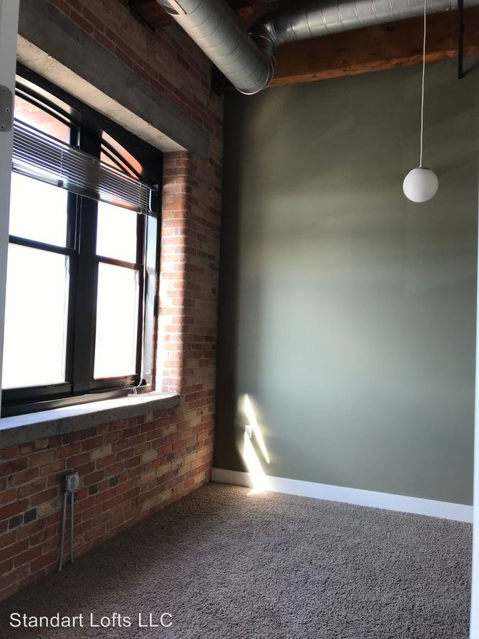 2 Bedrooms 1 Bathroom Apartment for rent at 34 S. Erie St in Toledo, OH