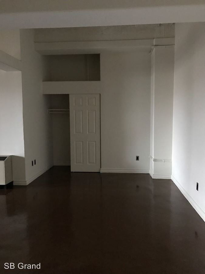 Studio 1 Bathroom Apartment for rent at 312 W. 5th St. in Los Angeles, CA