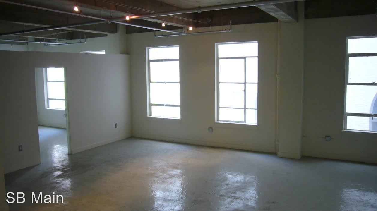 3 Bedrooms 2 Bathrooms Apartment for rent at 111 W. 7th St. in Los Angeles, CA