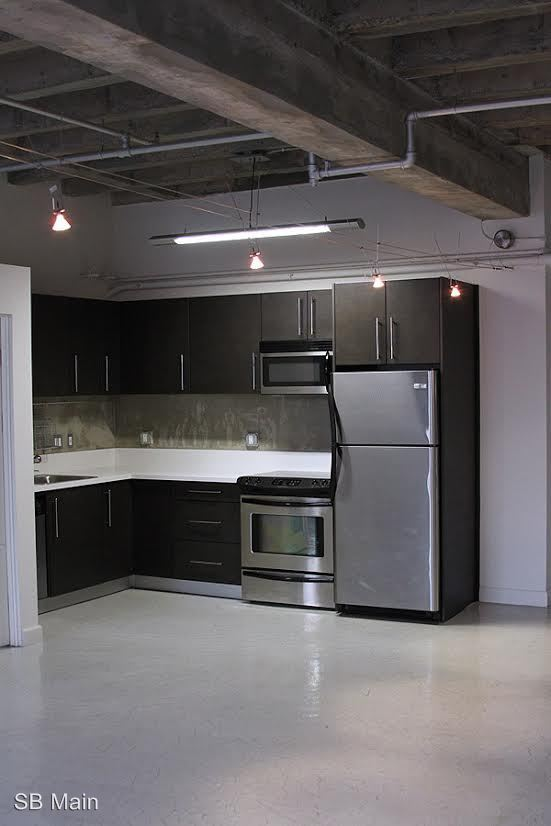 2 Bedrooms 2 Bathrooms Apartment for rent at 111 W. 7th St. in Los Angeles, CA