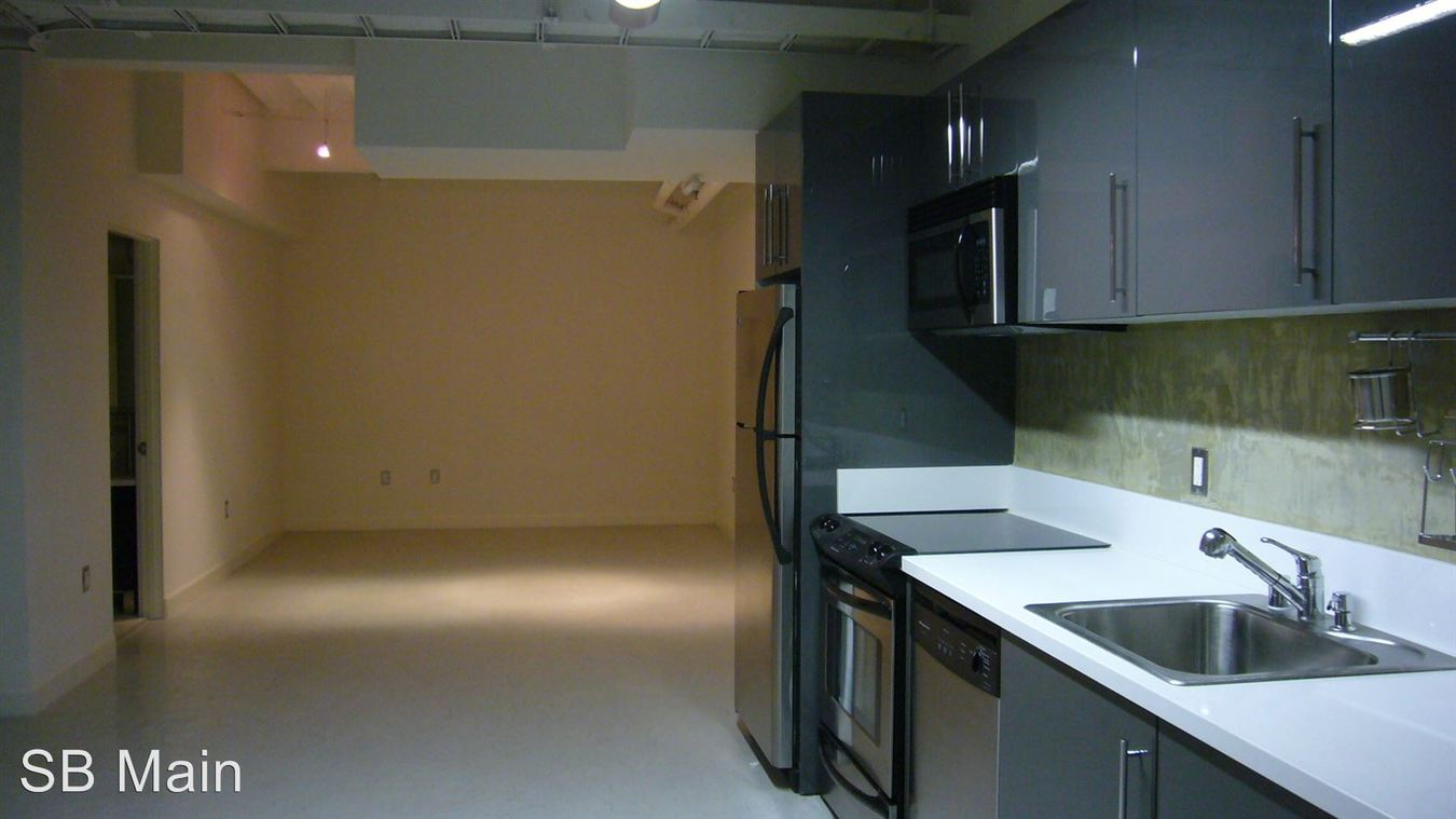 Studio 1 Bathroom Apartment for rent at 111 W. 7th St. in Los Angeles, CA