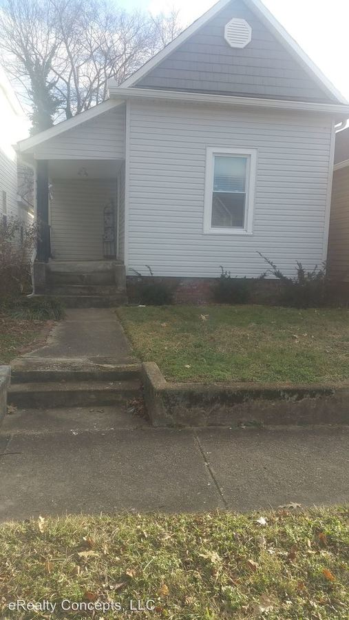 3 Bedrooms 1 Bathroom Apartment for rent at 2008 Forest Avenue in Knoxville, TN