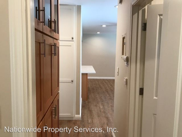 2 Bedrooms 1 Bathroom Apartment for rent at 1427 West Parade Street in Long Beach, CA
