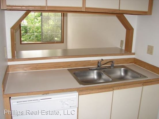 2 Bedrooms 2 Bathrooms Apartment for rent at 12314 32 Nd Ave Ne in Seattle, WA