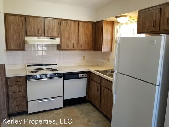 2 Bedrooms 1 Bathroom Apartment for rent at 1528 Lebanon Avenue in Belleville, IL