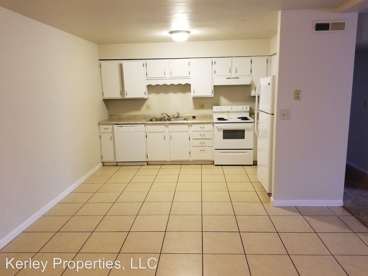 3 Bedrooms 2 Bathrooms Apartment for rent at 200 Sunrise Dr. in Belleville, IL