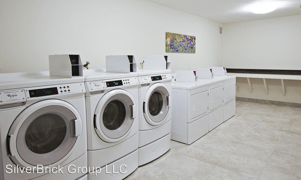 1 Bedroom 1 Bathroom Apartment for rent at 905 Burnside Ave in East Hartford, CT