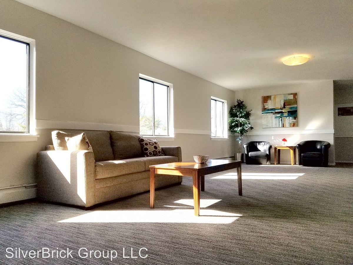 2 Bedrooms 2 Bathrooms Apartment for rent at 905 Burnside Ave in East Hartford, CT
