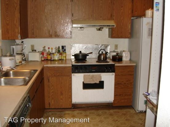 1 Bedroom 1 Bathroom Apartment for rent at 5241 11th Ave. Ne in Seattle, WA