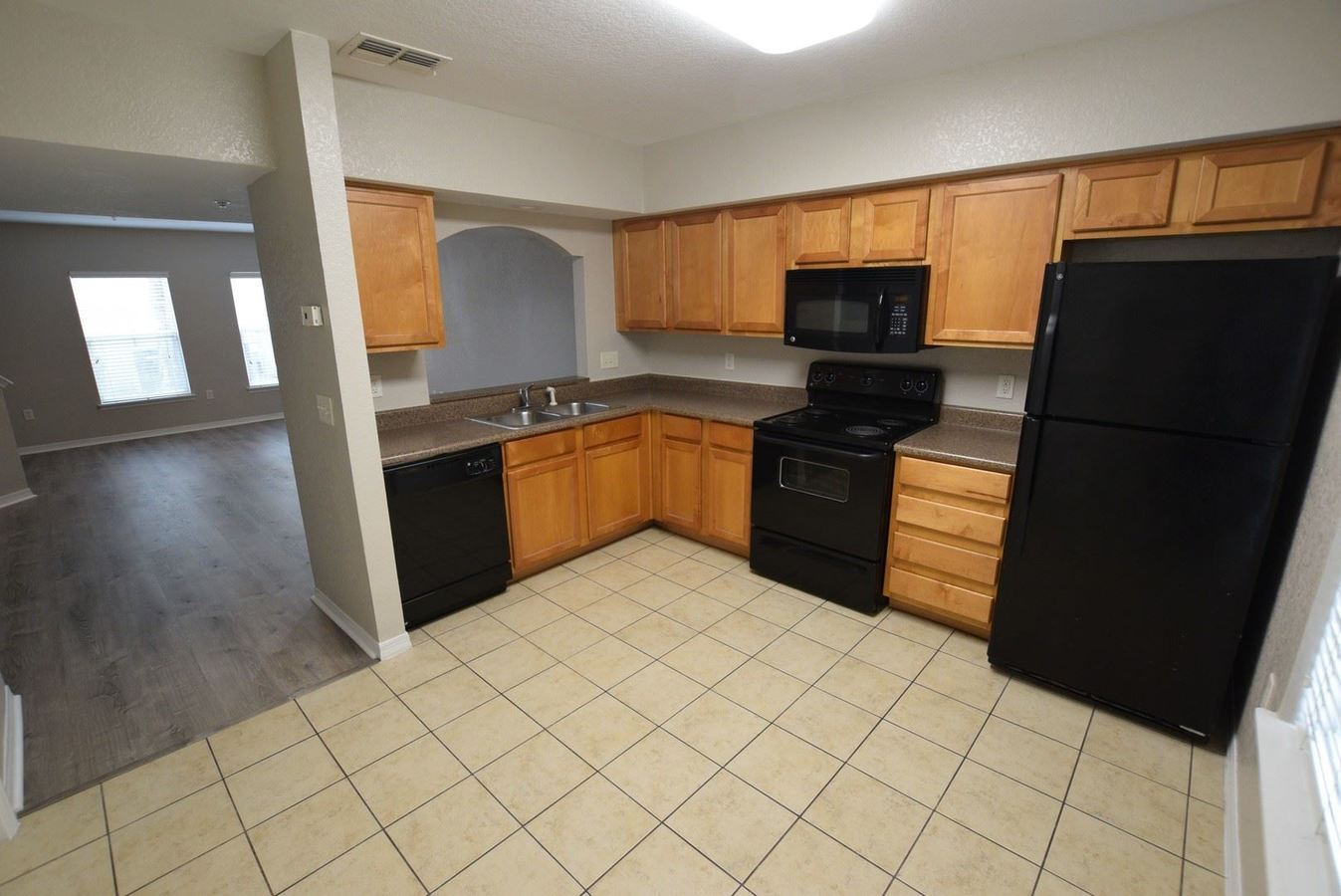 2 Bedrooms 2 Bathrooms Apartment for rent at 3656 N Goldenrod Road in Winter Park, FL