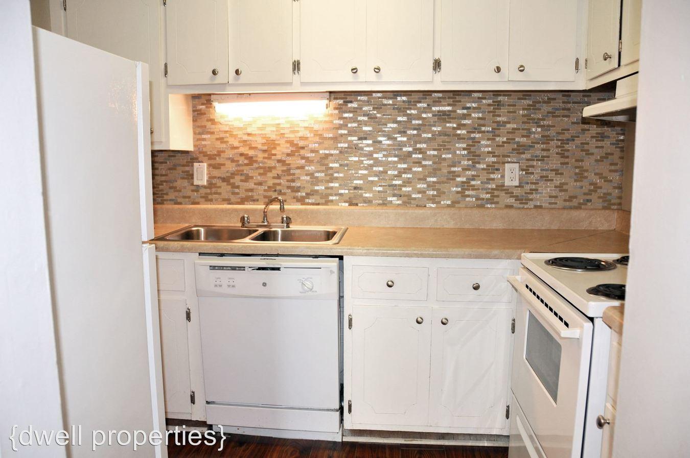 2 Bedrooms 1 Bathroom Apartment for rent at 282910th Avenue South in Birmingham, AL