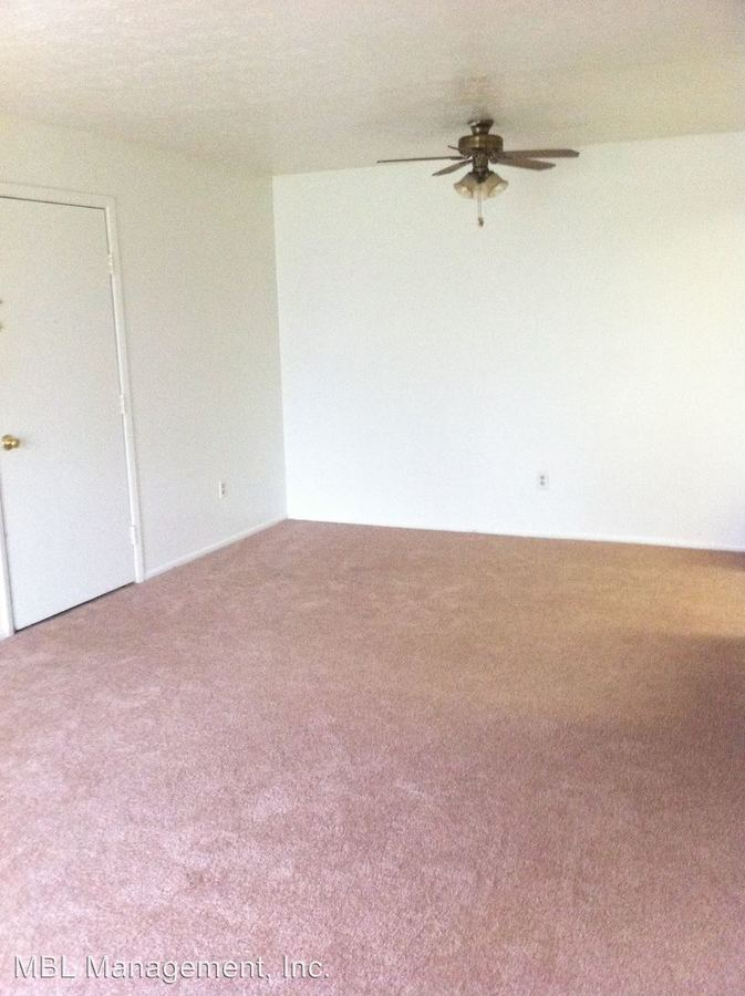 2 Bedrooms 1 Bathroom Apartment for rent at 5840 Buckeye Lane #1 in Mentor On The Lake, OH