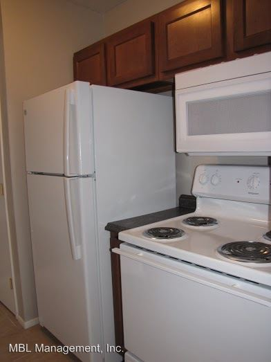 3 Bedrooms 1 Bathroom Apartment for rent at 5840 Buckeye Lane #1 in Mentor On The Lake, OH
